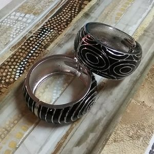 Jewelry - Classy hinged open bangles